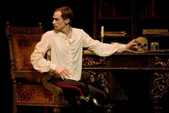 Edward-watson-as-crown-princerudolf-in-mayerling-photo-by-johan-persson