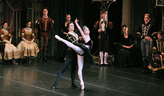 Sarah and Angel in Black Swan