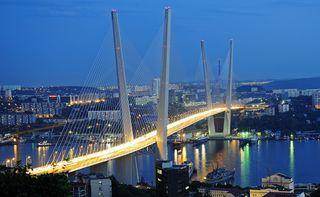 Zolotoy-rog-bay-bridge-vladivostok-russia-1