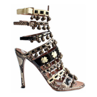Kardashian wore these